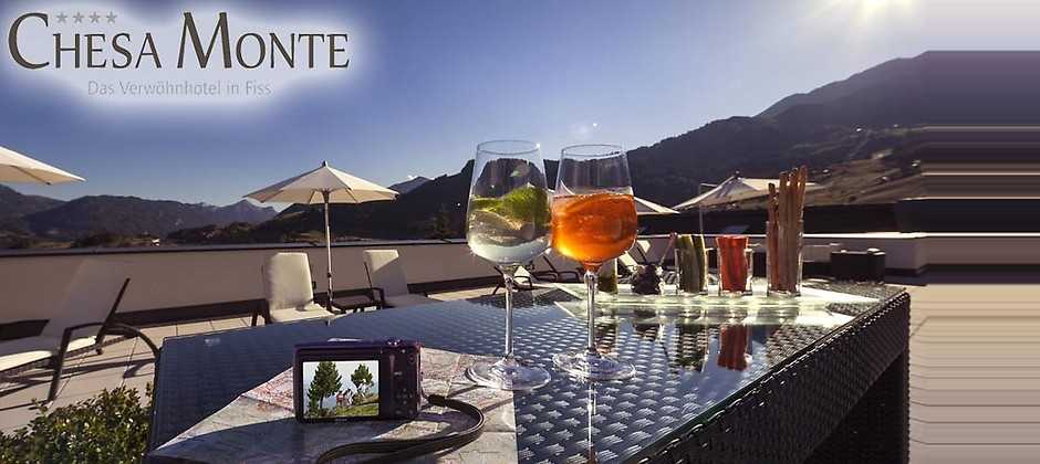 Gutschein für Zum halben Preis im Tiroler Oberland der Sonne ein gutes Stück näher sein! von Verwöhnhotel Chesa Monte